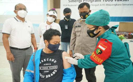 Sinergi PLN dan RS Bhayangkara Semarang Adakan 1.000 Vaksin
