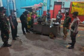 Langgar Aturan PPKM, 13 Rumah Makan di Sukoharjo Disegel dan Didenda Rp250.000