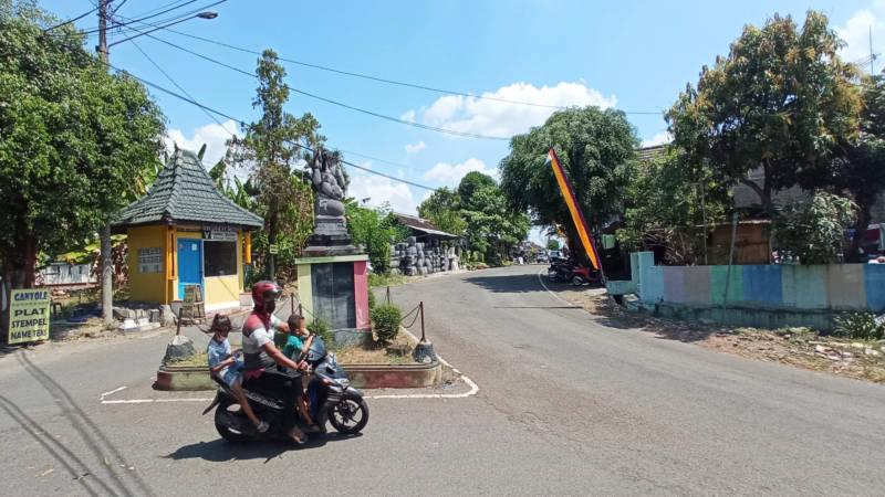 Penampakan Tugu Ganesha di simpang tiga tak jauh dari Kampung Kliteh, Sragen, Rabu (4/8/2021). Seorang Tentara Pelajar meninggal dunia di lokasi dalam pertempuran mempertahankan Kemerdekaan Indonesia pada Agresi Militer II 1948. (Solopos/Moh. Khodiq Duhri)