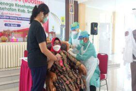 Termasuk Bupati, 3.780 Nakes Sragen Disuntik Vaksin Moderna untuk Booster Imun
