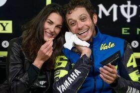 Mengandung Anak Valentino Rossi, Francesca Sofia Novello Anggap Pernikahan Tak Penting