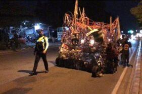 2 Vespa Gembel Melintas saat Polisi Patroli, Digiring Lalu Dipreteli di Polsek Colomadu Karanganyar