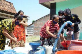 Aksi Polwan Grobogan Bantu Air Bersih Warga Desa Karangrejo