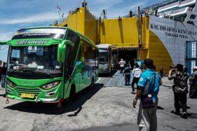 Bus untuk Layanan Transportasi Atlet PON XX Tiba di Jayapura Papua