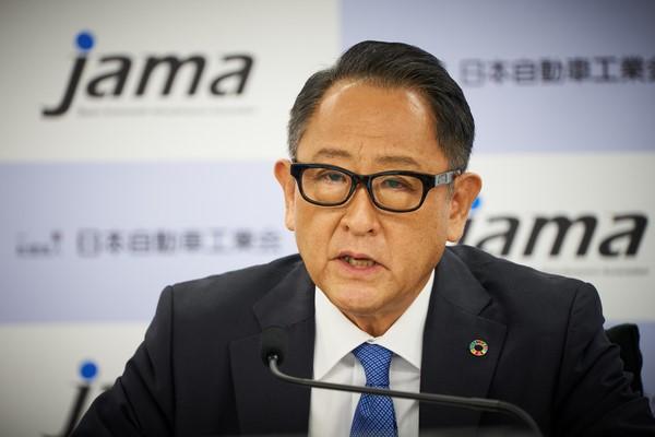 Bos Akio Toyoda dalam jumpa pers tentang netralitas karbon, beberapa hari lalu. (Foto: global.toyora)