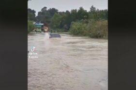 Video Viral Innova Terjang Banjir, Bagaimana Rumus Amannya?