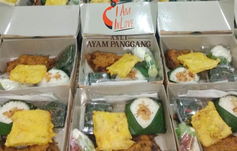 Nasi boks I Am In Love Panggang. (Soloposfood)