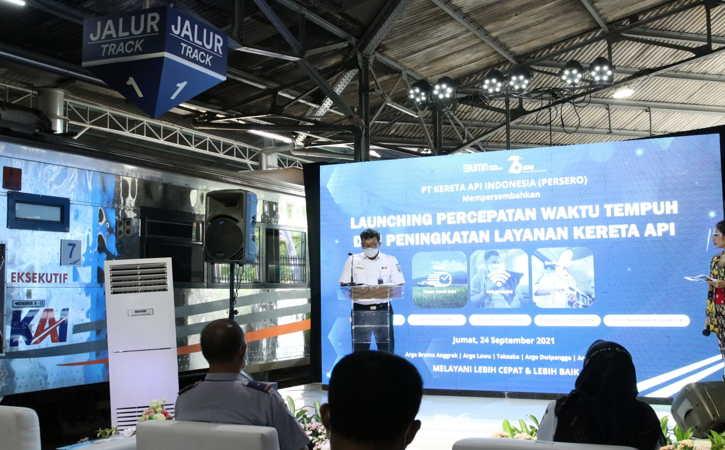 Direktur Operasi KAI, Heru Kuswanto, dalam peluncuran percepatan waktu tempuh perjalanan KA di Stasiun Solo Balapan, Jumat (24/9/2021).(Istimewa/KAI Daops VI)