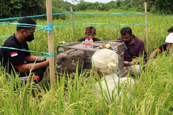 Umat Hindu Gelar Sembahyang di Yoni Terdampak Jalan Tol Solo-Jogja