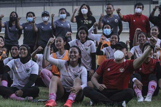 Uji Coba Timnas Sepak Bola Wanita vs Tim PON Jawa Barat Persiapan Kualifikasi Piala Asia Wanita