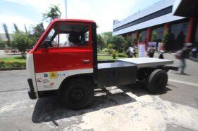 Pengembangan Kendaraan Listrik, ITTelkom Surabaya Uji Coba Truk Listrik Dilengkapi Smart ID