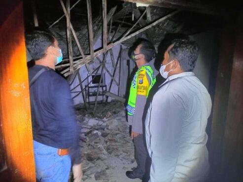 Nahas, 3 Warga Ponorogo Luka-Luka Tertimpa Atap Rumah
