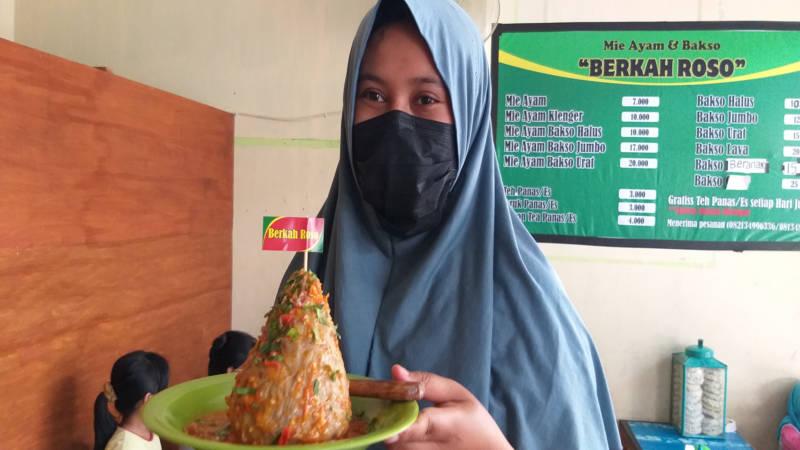 Bakso Tumpeng Merapi yang dijual di warung Mi Ayam dan Bakso Berkah Roso di Dukuh Padangan, Desa Glodogan, Kecamatan Klaten Selatan, Klaten. (Solopos/Ponco Suseno)