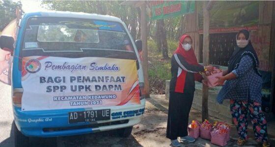 UPK DAPM Kedawung Sragen Bagi-Bagi Sembako Senilai Total Rp70 Juta