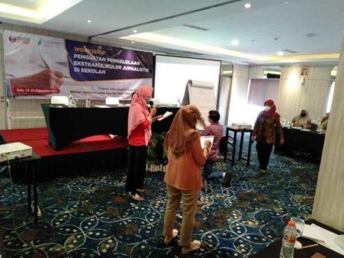 """""""Solopos Institute menggelar Workshop Penguatan Pengelolaan Ekskul Jurnalistik yang diikuti guru SMA\/SMK di Soloraya. Kegiatan digelar di Solia Hotel Yosodipuran, Solo, Rabu-Kamis (22-23\/9\/2021). (Istimewa"""""""