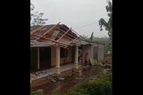 Hujan Angin Terjang Girimarto Wonogiri, 1 Rumah Warga Rusak Parah