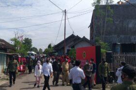 Round Up Jokowi Kunjungi Soloraya: Ketemu Joko Widodo, Sebar Sembako, hingga Diwarnai Penangkapan 10 Mahasiswa