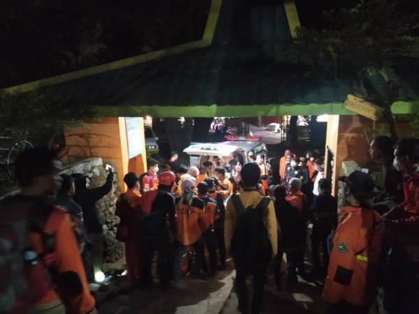 Sempat Jatuh, Pendaki asal Madiun Meninggal di Gunung Lawu Karanganyar