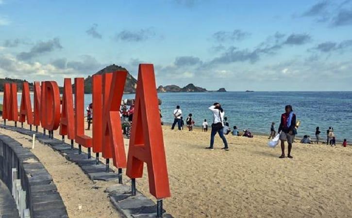 Wisata Pantai di Mandalika, surga tersembunyi di Pulau Lombok. (Bisnis.com)