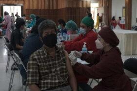 UKSW dan TNI Gelar Vaksinasi Massal Bagi Pelajar dan Masyarakat Umum