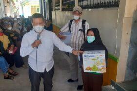 Ikut Vaksinasi di Nguter Sukoharjo, Warga Bawa Pulang Doorprize