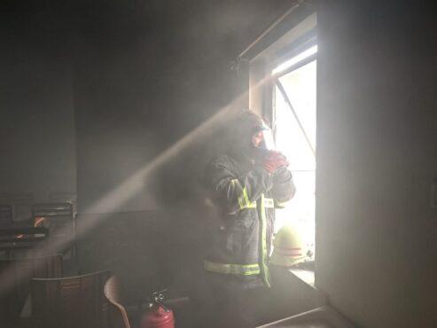 Konsleting AC, Ruang di Kantor Jasa Sih Wiryadi Terbakar