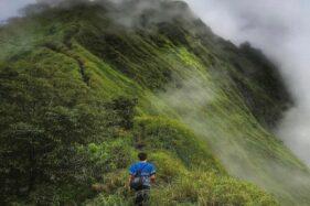 Indahnya Puncak Natas Angin: Ada Petilasan Bung Karno - Wali Songo