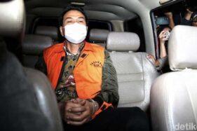 Usai Jadi Tersangka, Azis Syamsuddin Diperiksa Perdana oleh KPK