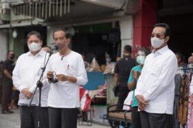Sultan Tunjukkan Sentra PKL Eks Bioskop Indra ke Jokowi di Malioboro