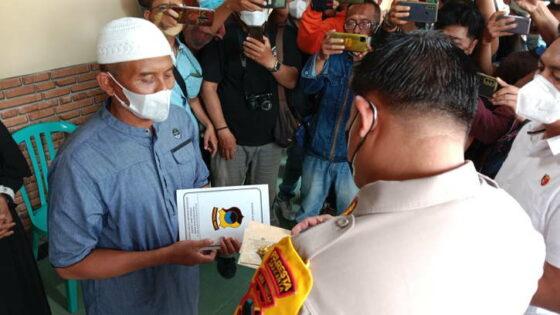 Ke Rumah Duka, Kapolresta Solo Serahkan SPDP Kepada Ayah Gilang