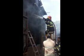 Terbakar, Separuh Bangunan Oven Kayu di Bulakan Sukoharjo Hangus