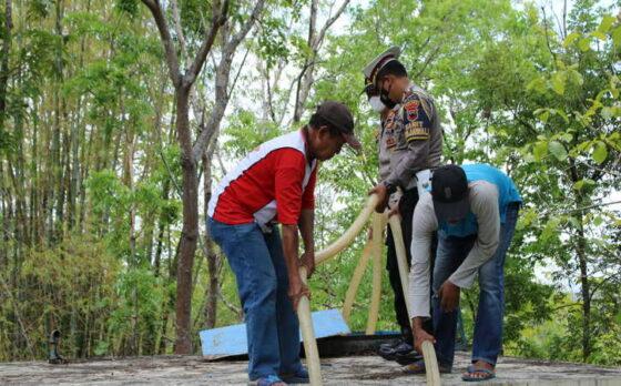 Desa Karangmojo Masih Kekeringan, Satlantas Sukoharjo Kirim Air Bersih