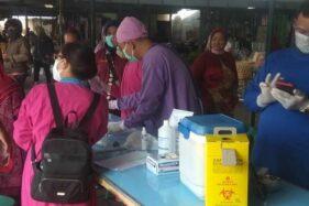 Giliran Pedagang Pasar Ngeseng Delanggu Ikuti Vaksinasi Covid-19