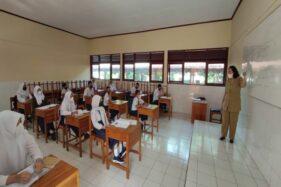 Tak Diizinkan Orang Tua, Sebagian Siswa SMP di Wonogiri Tak Ikuti PTM