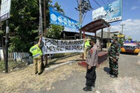 Jelang Laga Persis Vs PSIM, Spanduk Provokatif Bertebaran di Sukoharjo