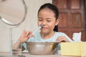 Bisa Cegah Terpapar Virus, Begini Cara Terapi Cuci Hidung yang Benar